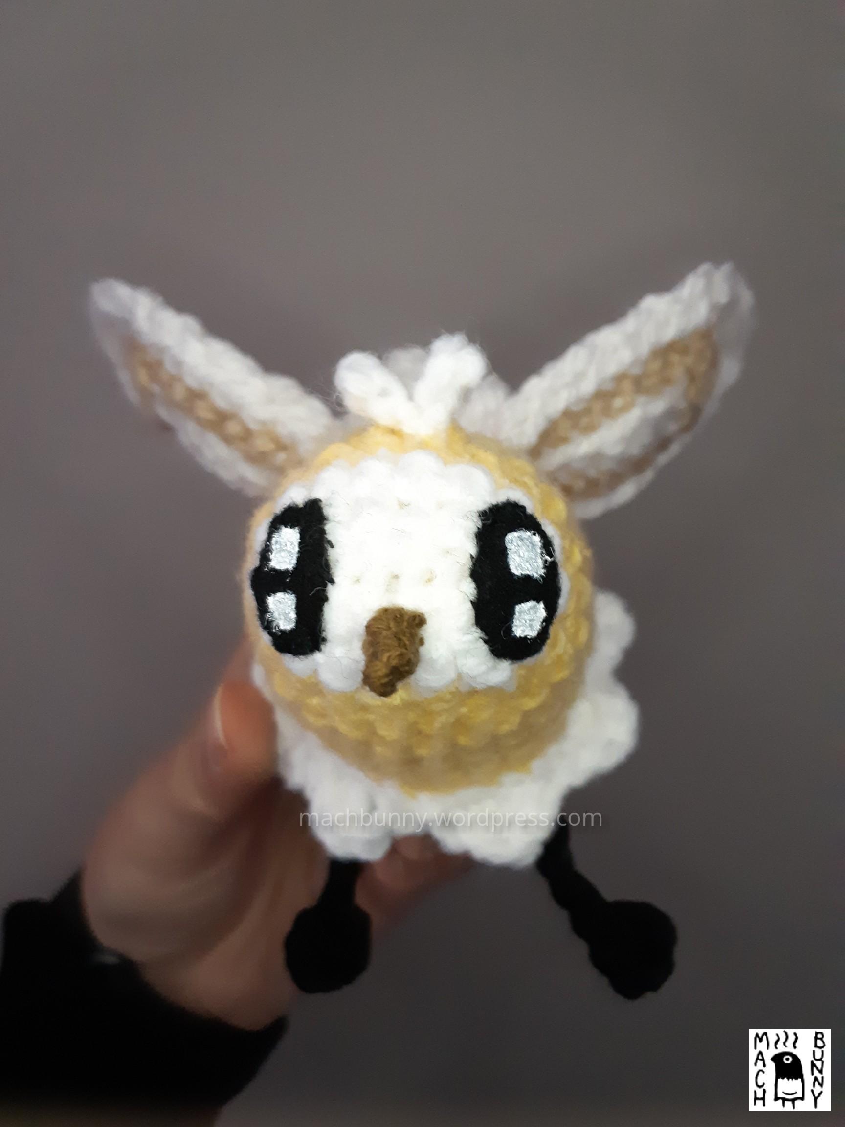 Cutiefly amigurumi - yellow cutiefly amigurumi crocheted with acrylic yarn; front view from head-on