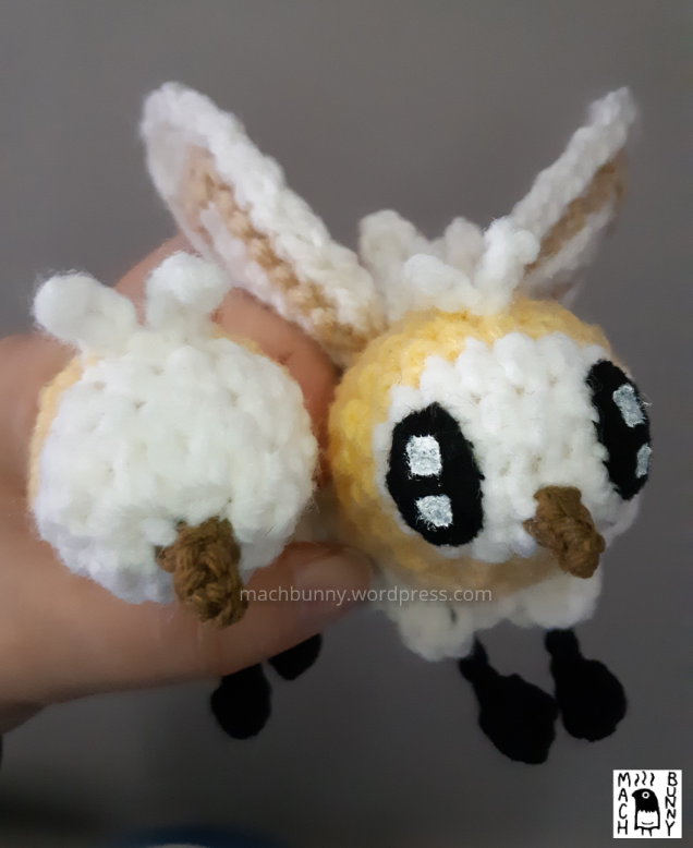 Cutiefly amigurumi - yellow cutiefly amigurumi crocheted with acrylic yarn; comparison of the old face and new face