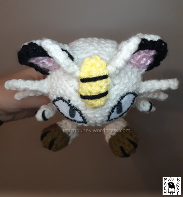 Amigurumi Meowth, top view