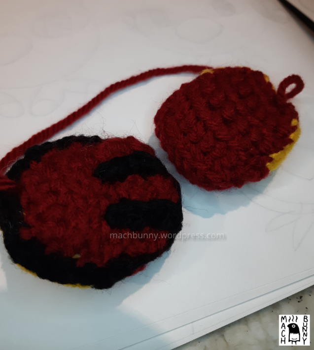 Underside of the wing for natu amigurumi, with and without stripes