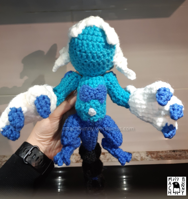 Amigurumi Thundurus Therian Forme, front view of belly