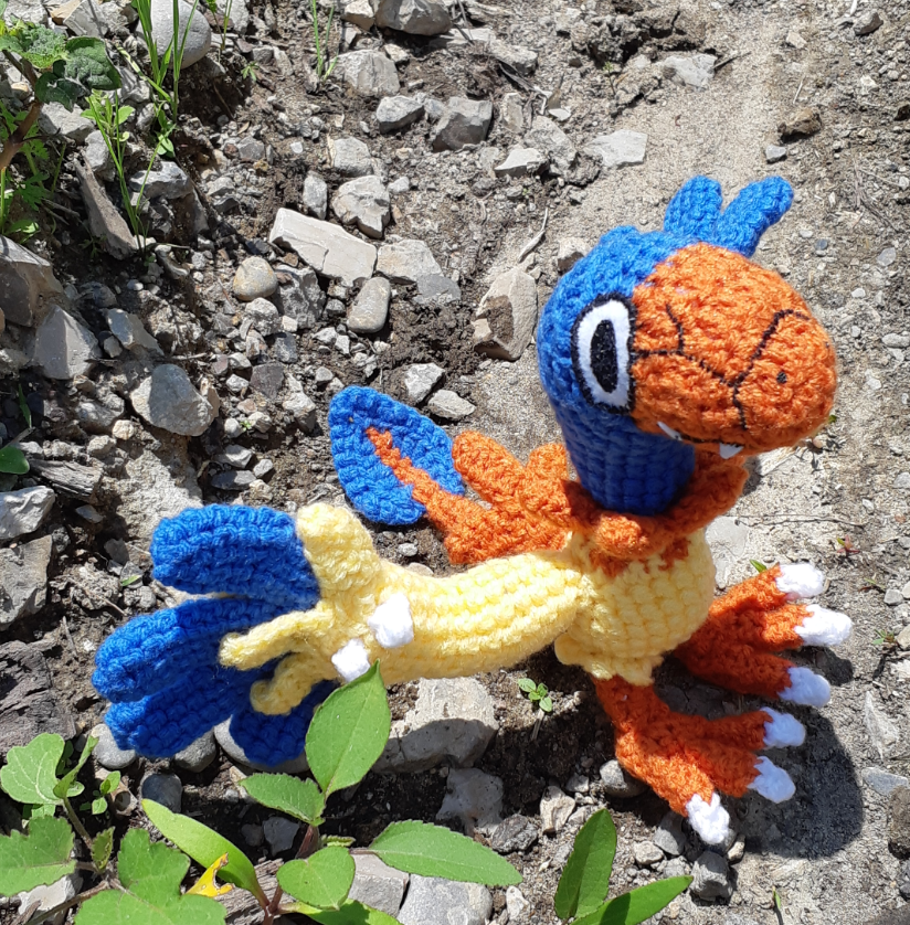 Archen amigurumi, front view from above