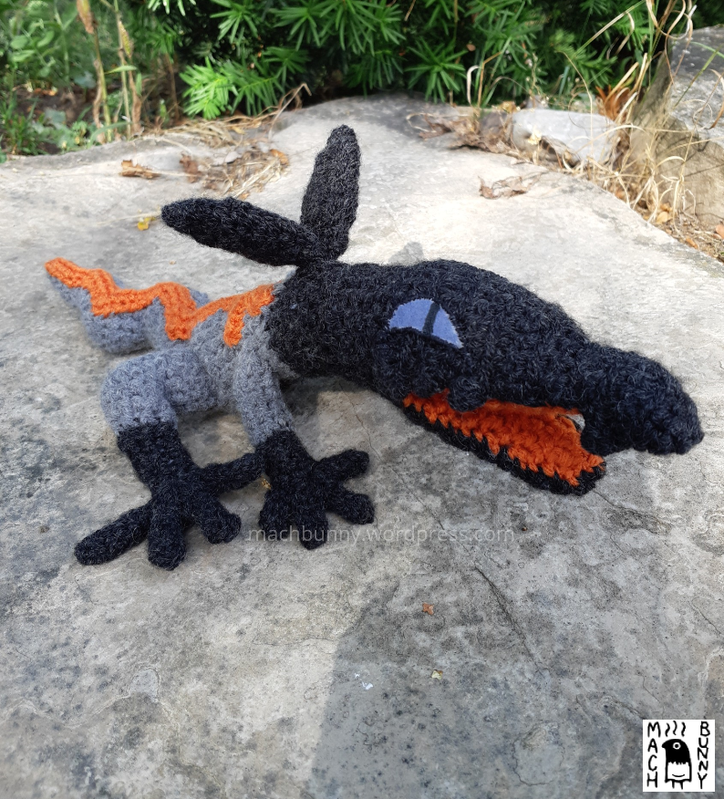 Amigurumi Salandit, alternate side view